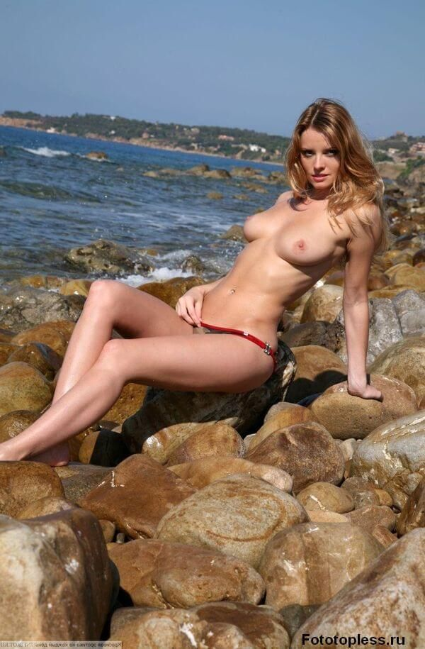 naked_on_the_beach_nudists_606